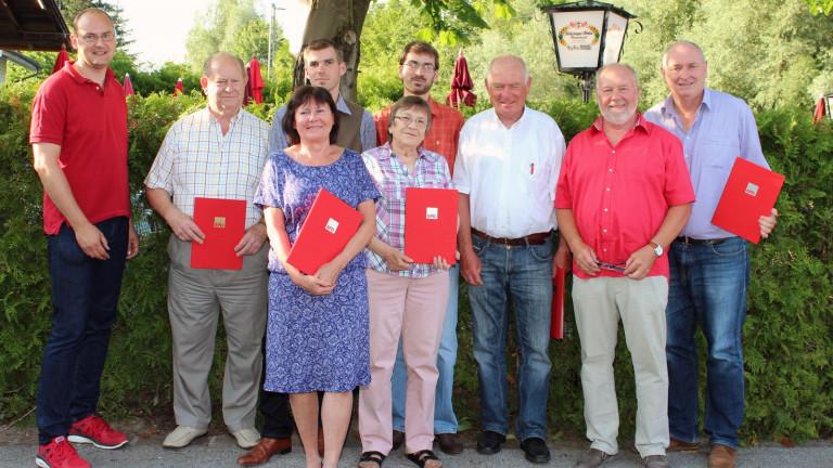 Vorstandschaft und für langjährige Mitgliedschaft Geehrte 2015 16:9